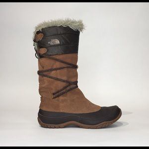 THE NORTH FACE SZ 8.5 FUR LINED WATERPROOF BOOTS